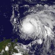 Maria devient un ouragan «potentiellement catastrophique» de catégorie 5