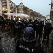 EN DIRECT - «Gilets jaunes» l'acte V : la manifestation dispersée sur les Champs-Elysées