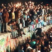 EN DIRECT - 30 ans après, revivez minute par minute la nuit de la chute du mur de Berlin