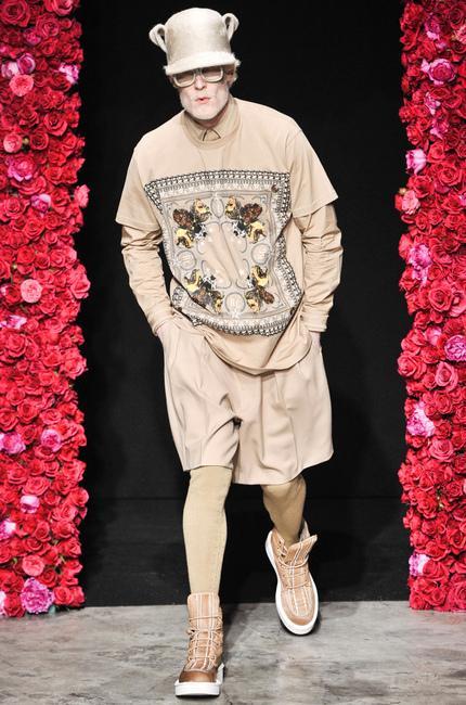 ... Défilé Givenchy Automne-hiver 2011-2012 - Diaporama photo ... 4df0c9728ec