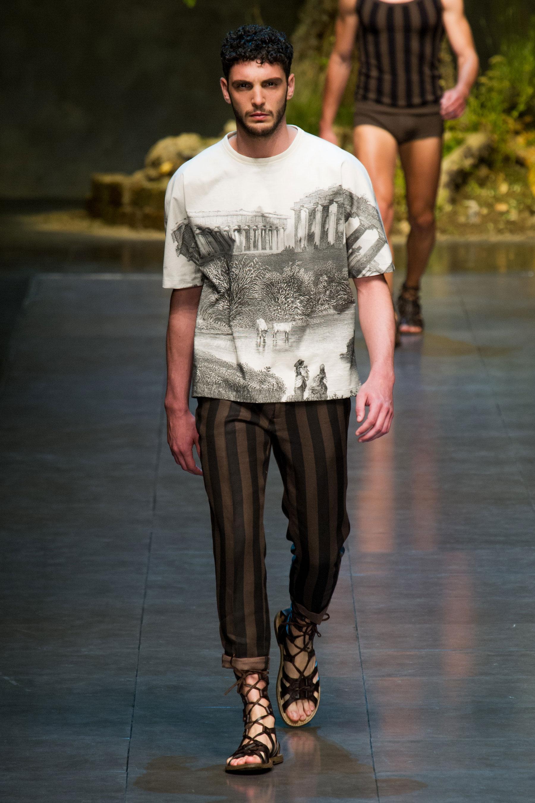abe1ecf32aac Défilé Dolce  amp  Gabbana Printemps-été 2014 Homme - Madame .
