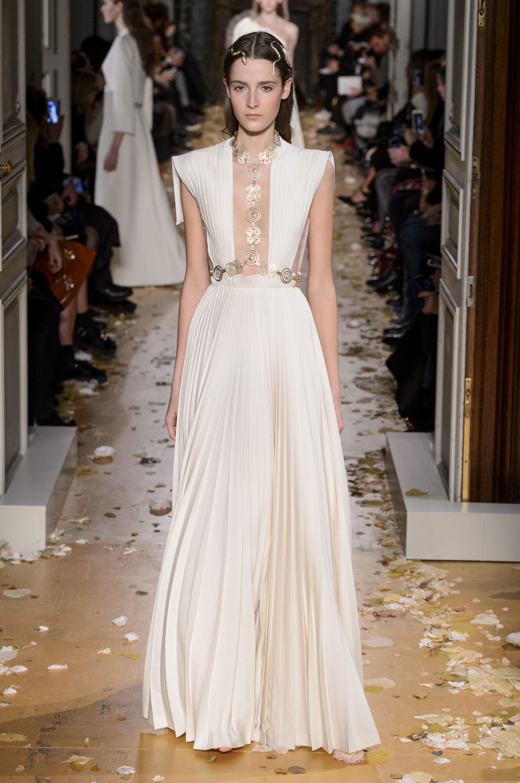 Estremamente Défilé Valentino Printemps-été 2016 Couture - Madame Figaro QE61