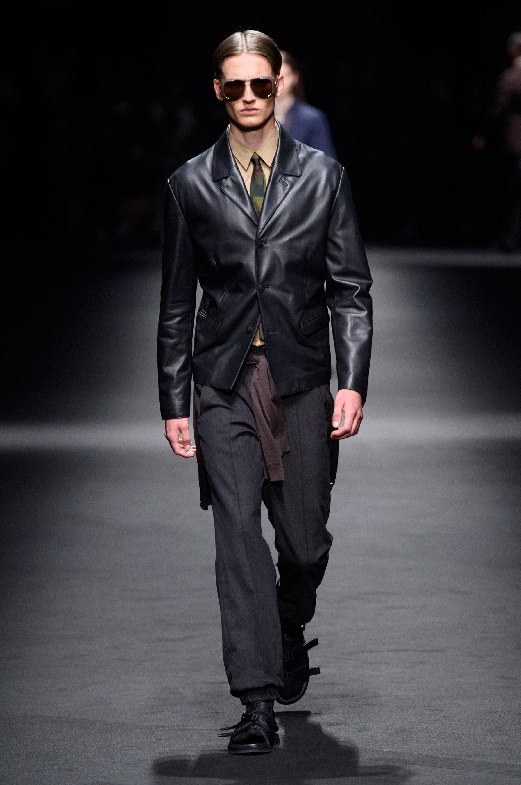 65c7b48a8fa7 Défilé Versace Printemps-été 2017 Homme - Madame Figaro
