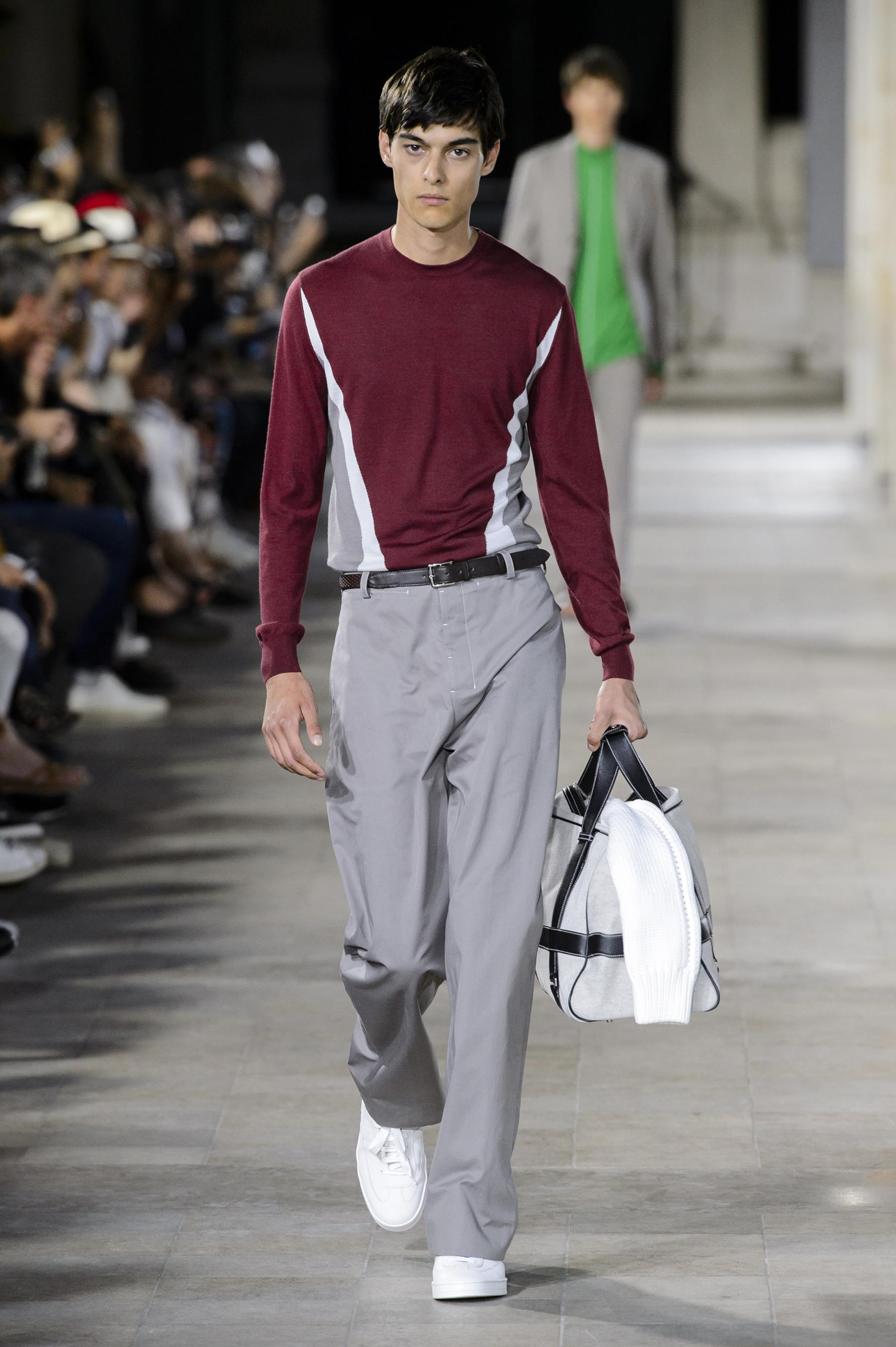 Défilé Hermès printemps-été 2018, Paris - Look 10. Défilé Hermès Homme  Printemps-été 2018 Paris - photo 10 Imaxtree d14f45b8d0e