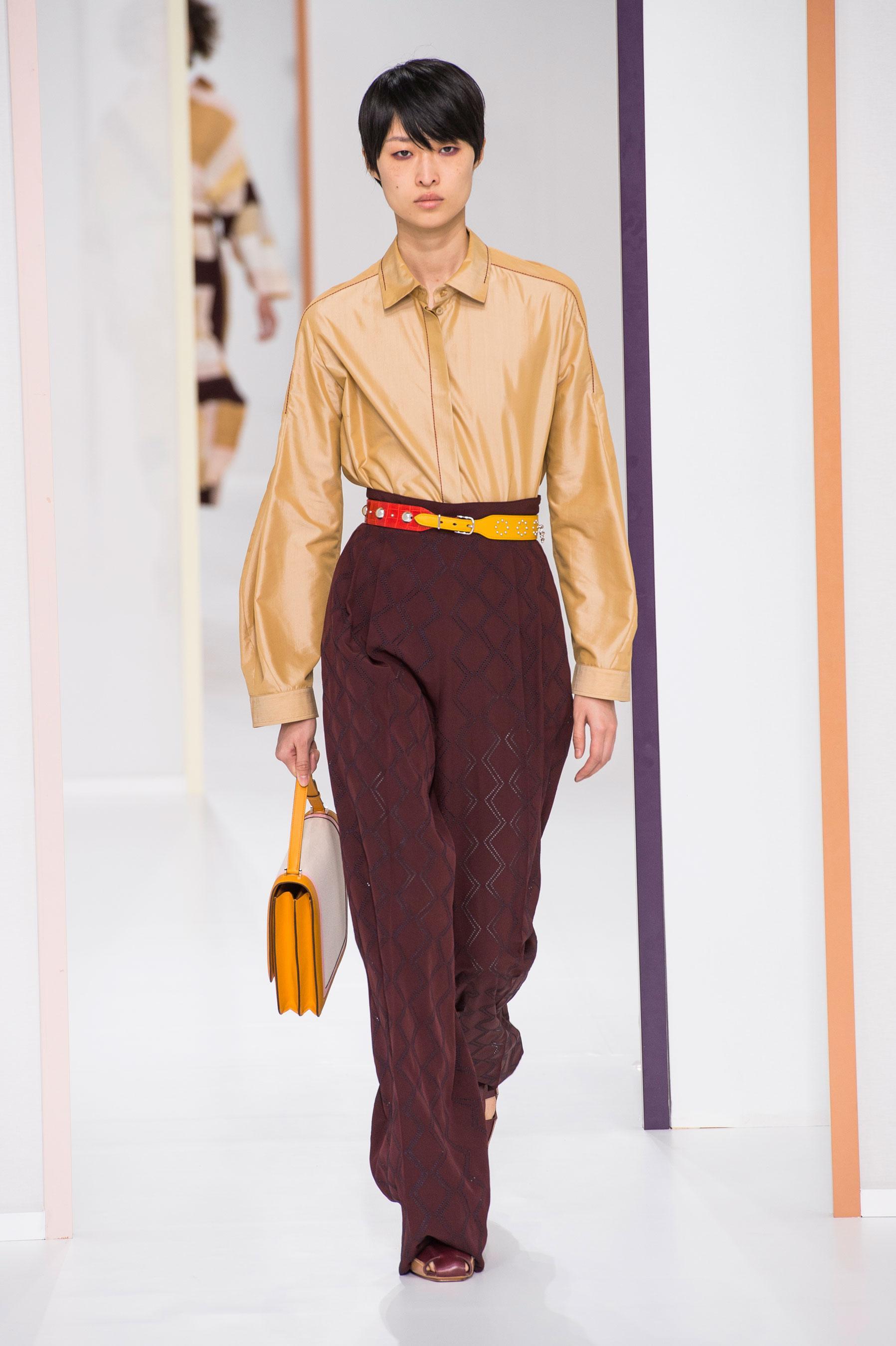 Défilé Hermès printemps-été 2018 Prêt-à-porter - Madame Figaro ae969c1f401
