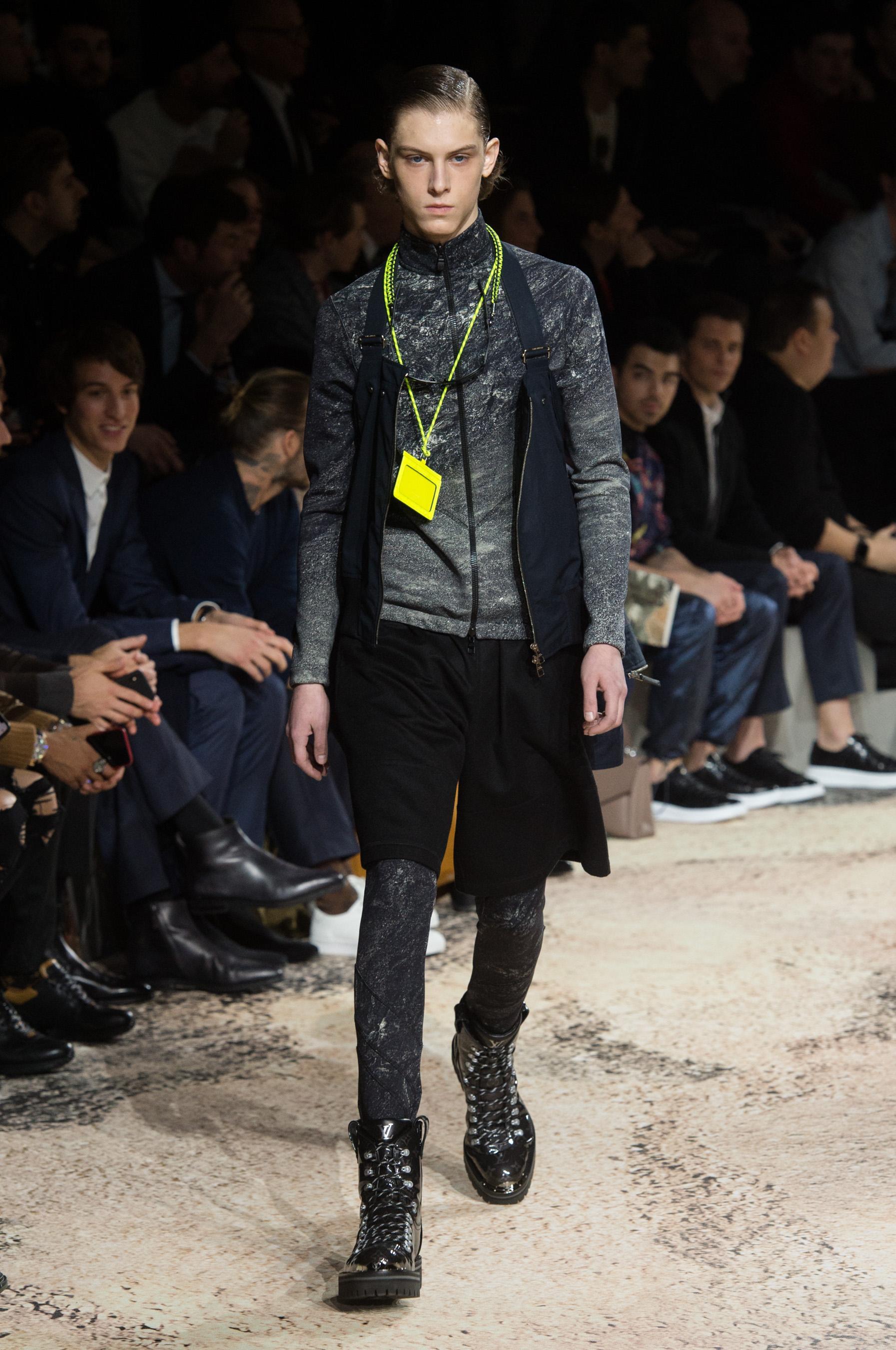 177ef85ff3bc5 Défilé Louis Vuitton automne-hiver 2018-2019, Paris - Look 37. Défilé Louis  Vuitton Homme Automne-hiver 2018-2019 Paris - photo 37 Imaxtree