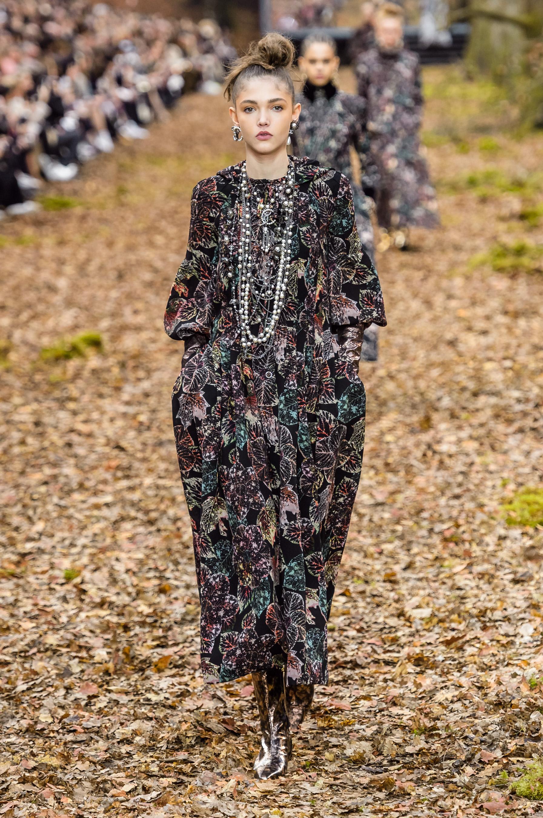 ec51a0cfbc969 Défilé Chanel automne-hiver 2018-2019 Prêt-à-porter - Madame Figaro