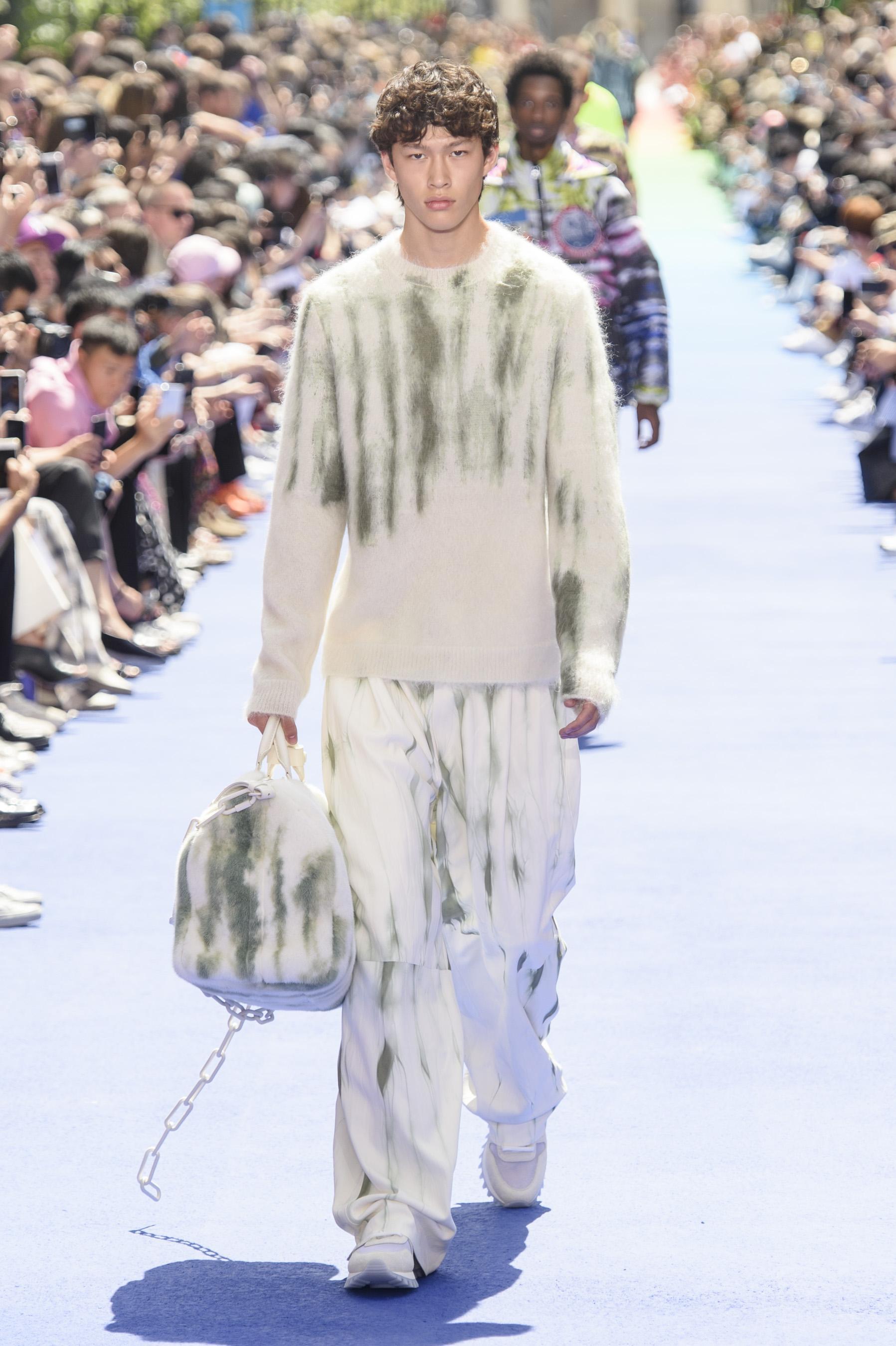 Défilé Louis Vuitton printemps-été 2019, Paris - Look 31. Défilé Louis  Vuitton Homme printemps-été 2019 Paris - photo 31 Imaxtree 86ab2c5f88f