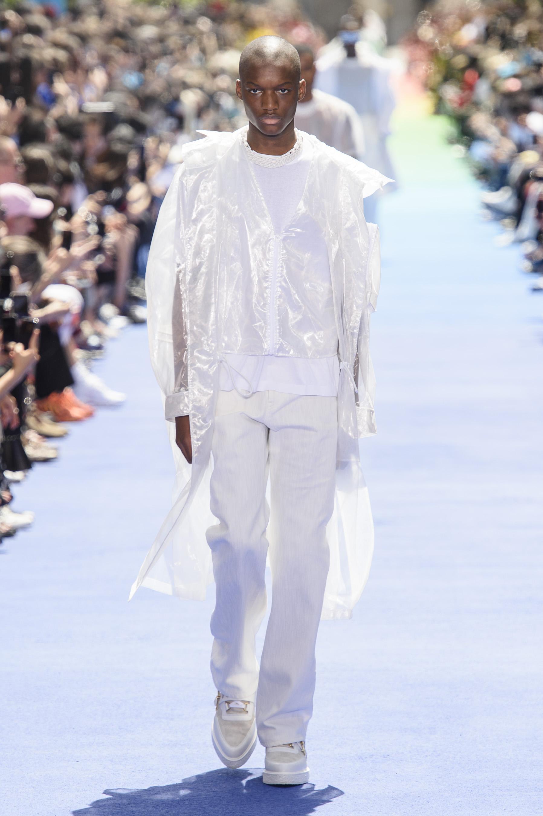 Défilé Louis Vuitton printemps-été 2019, Paris - Look 9. Défilé Louis  Vuitton Homme printemps-été 2019 Paris - photo 9 Imaxtree ab98e8a1eb5