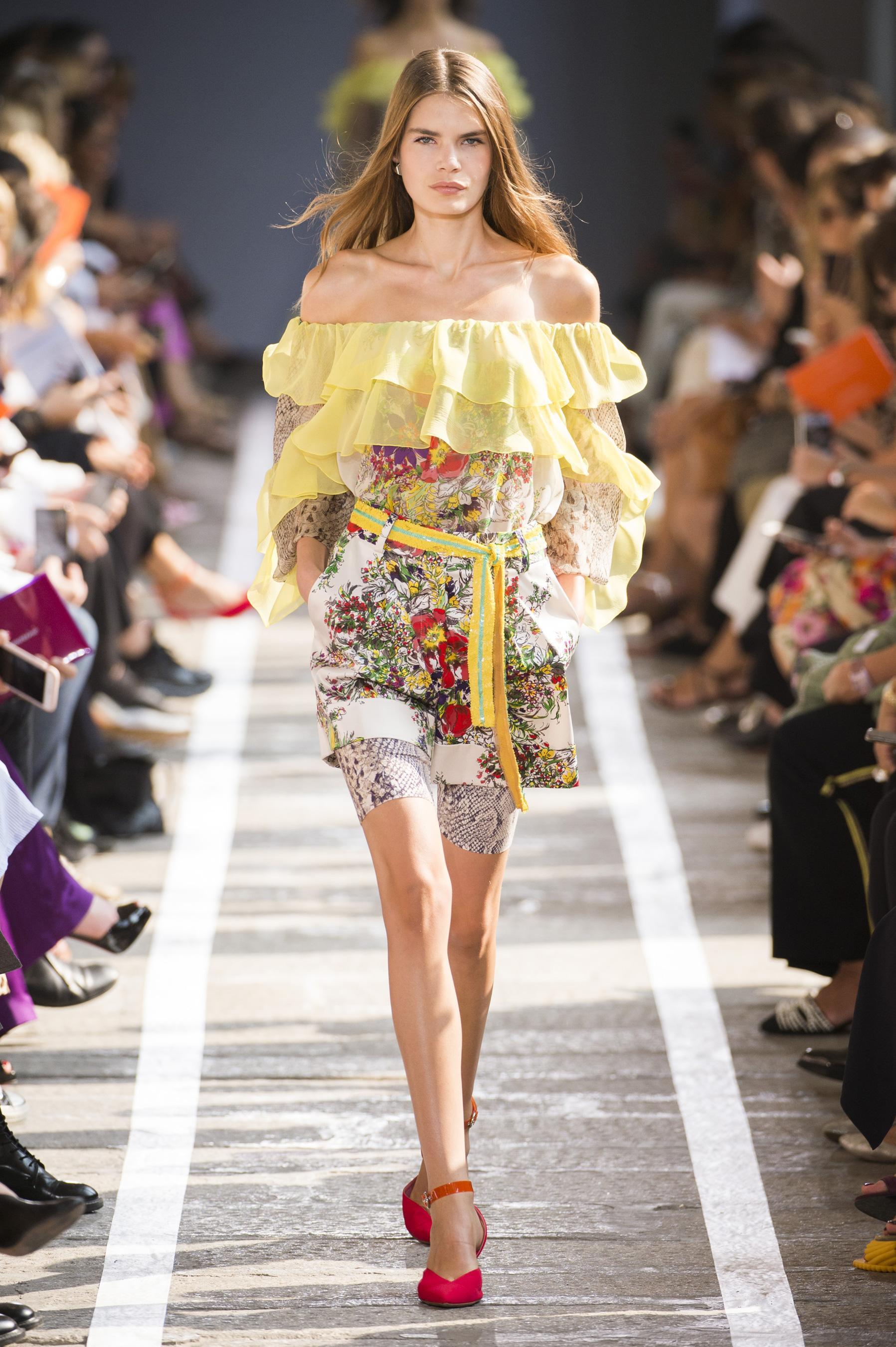 Défilé Blumarine printemps-été 2019 Prêt-à-porter - Madame Figaro 83a6d01df29