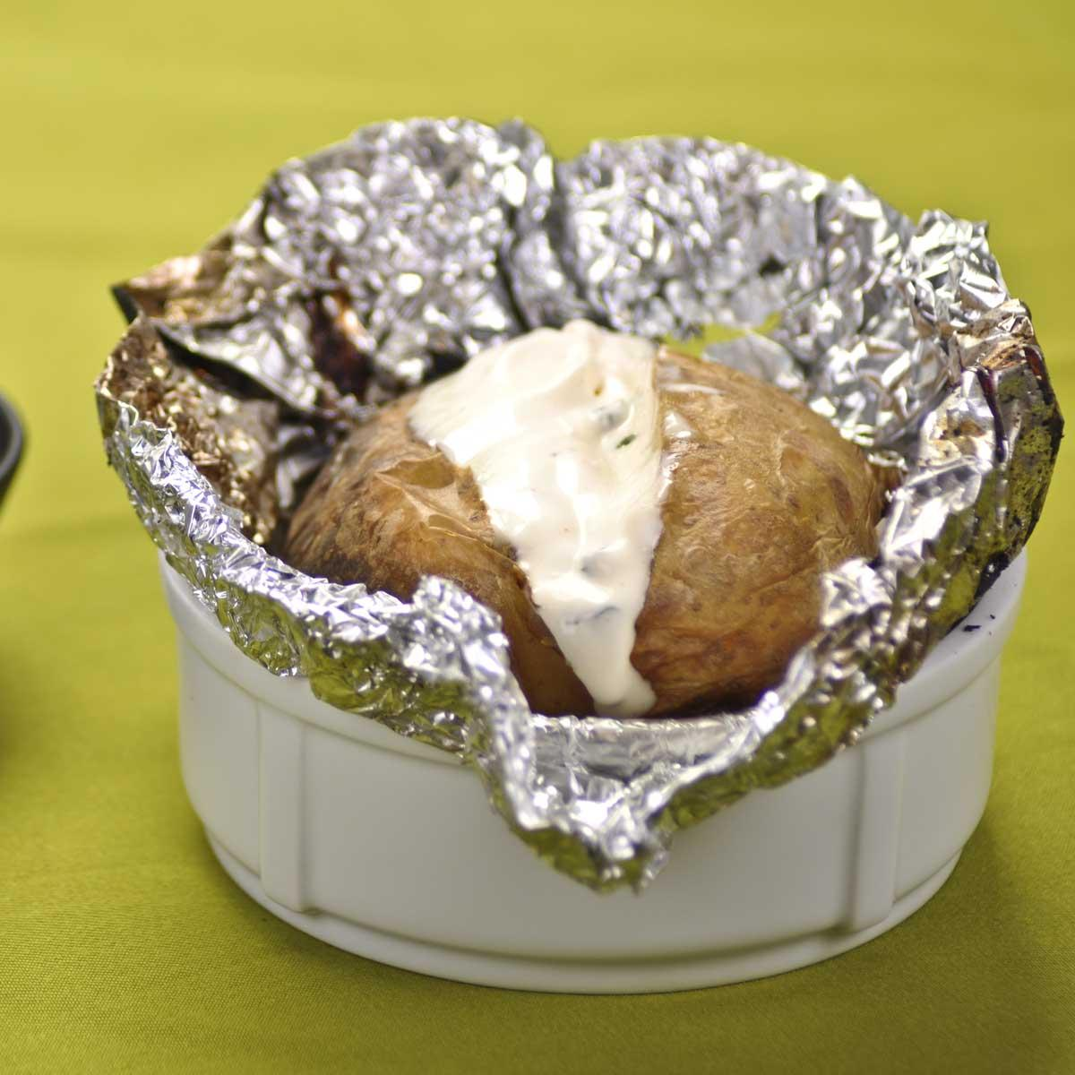 recette pommes de terre au four cuisine madame figaro. Black Bedroom Furniture Sets. Home Design Ideas