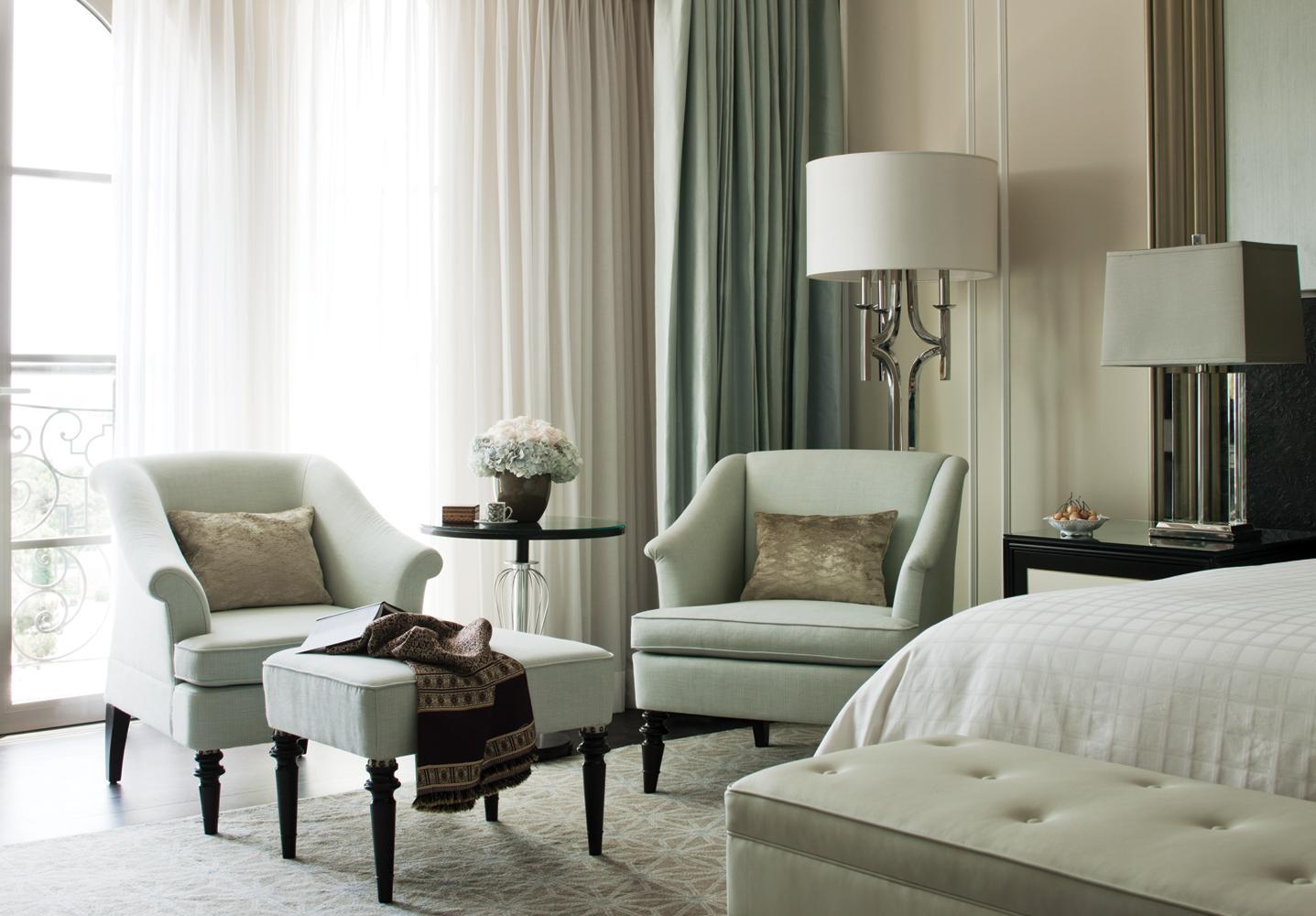 bakou la flambeuse madame figaro. Black Bedroom Furniture Sets. Home Design Ideas