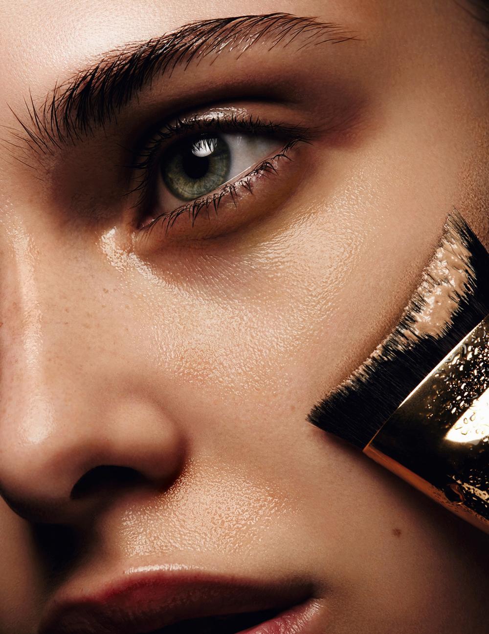 Maquillage Estée Lauder par Jurgen Braun, Pinceau Fond de Teint sculptant. e0172bddc7d9