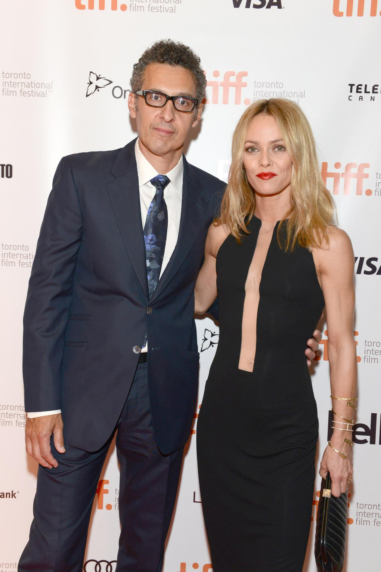 vanessa paradis serait en couple avec samuel benchetrit madame figaro. Black Bedroom Furniture Sets. Home Design Ideas