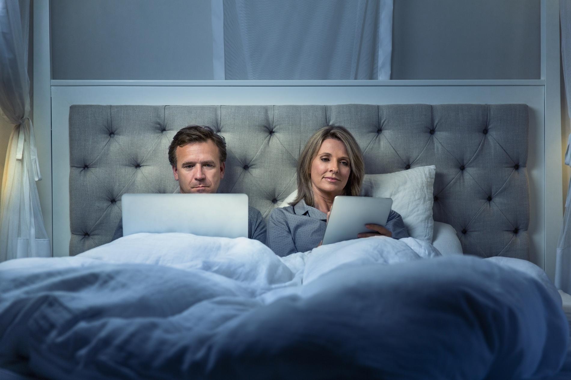 le smartphone au lit a tu ma vie sexuelle madame figaro. Black Bedroom Furniture Sets. Home Design Ideas
