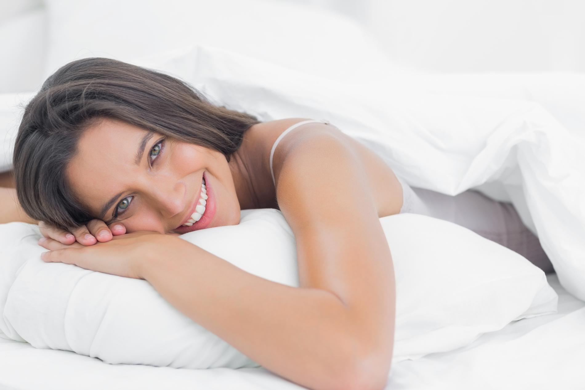 bien choisir son oreiller pour mieux dormir madame figaro. Black Bedroom Furniture Sets. Home Design Ideas