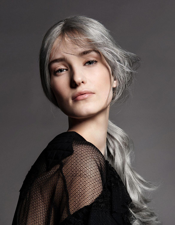 cheveux mieux que le blond le gris madame figaro. Black Bedroom Furniture Sets. Home Design Ideas