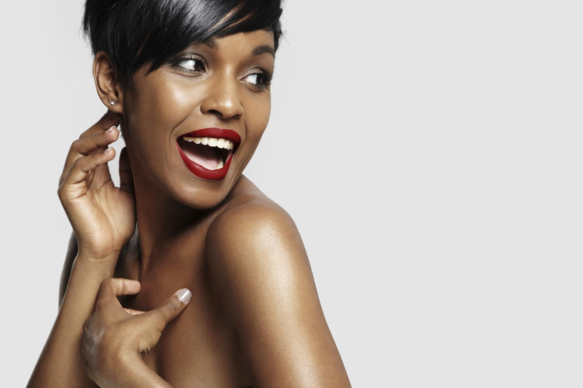 Quel maquillage pour mettre en valeur les peaux noires   - Madame Figaro c9b1e3a45b2c