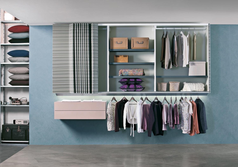 cinq conseils pour bien am nager son dressing madame figaro. Black Bedroom Furniture Sets. Home Design Ideas