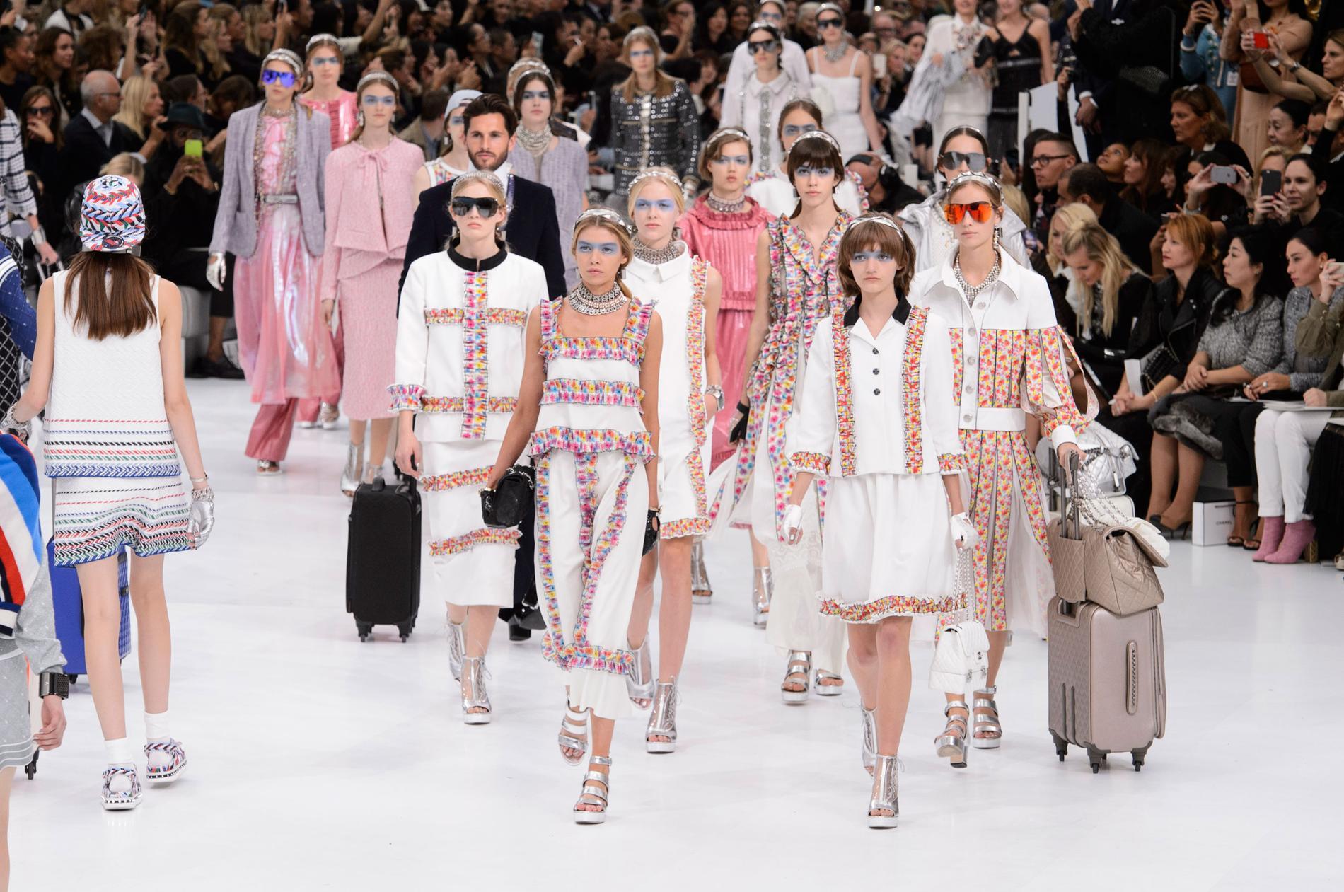 Fashion Week   la mode décolle à Paris - Madame Figaro 07215f8cec9