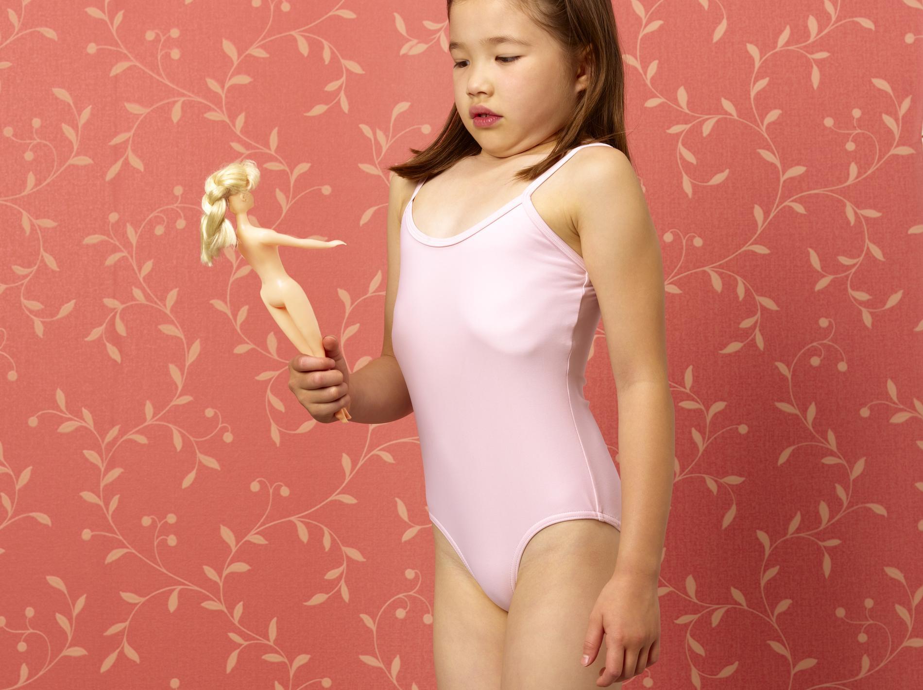 barbie n 39 est pas un jouet sexiste mais un jouet r ducteur madame figaro. Black Bedroom Furniture Sets. Home Design Ideas