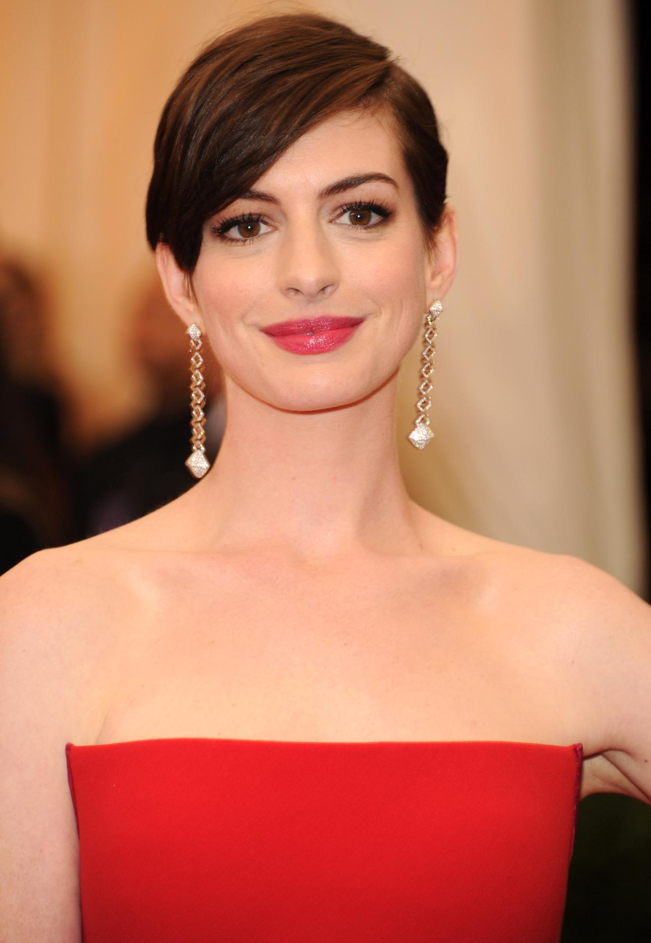 anne hathaway a accouch de son premier enfant madame figaro. Black Bedroom Furniture Sets. Home Design Ideas