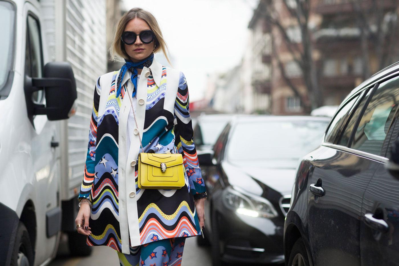 Preen by Thornton Bregazzi Comment continuer de porter le foulard de notre  été   Le nouvel it-accessoire ... 004777af379
