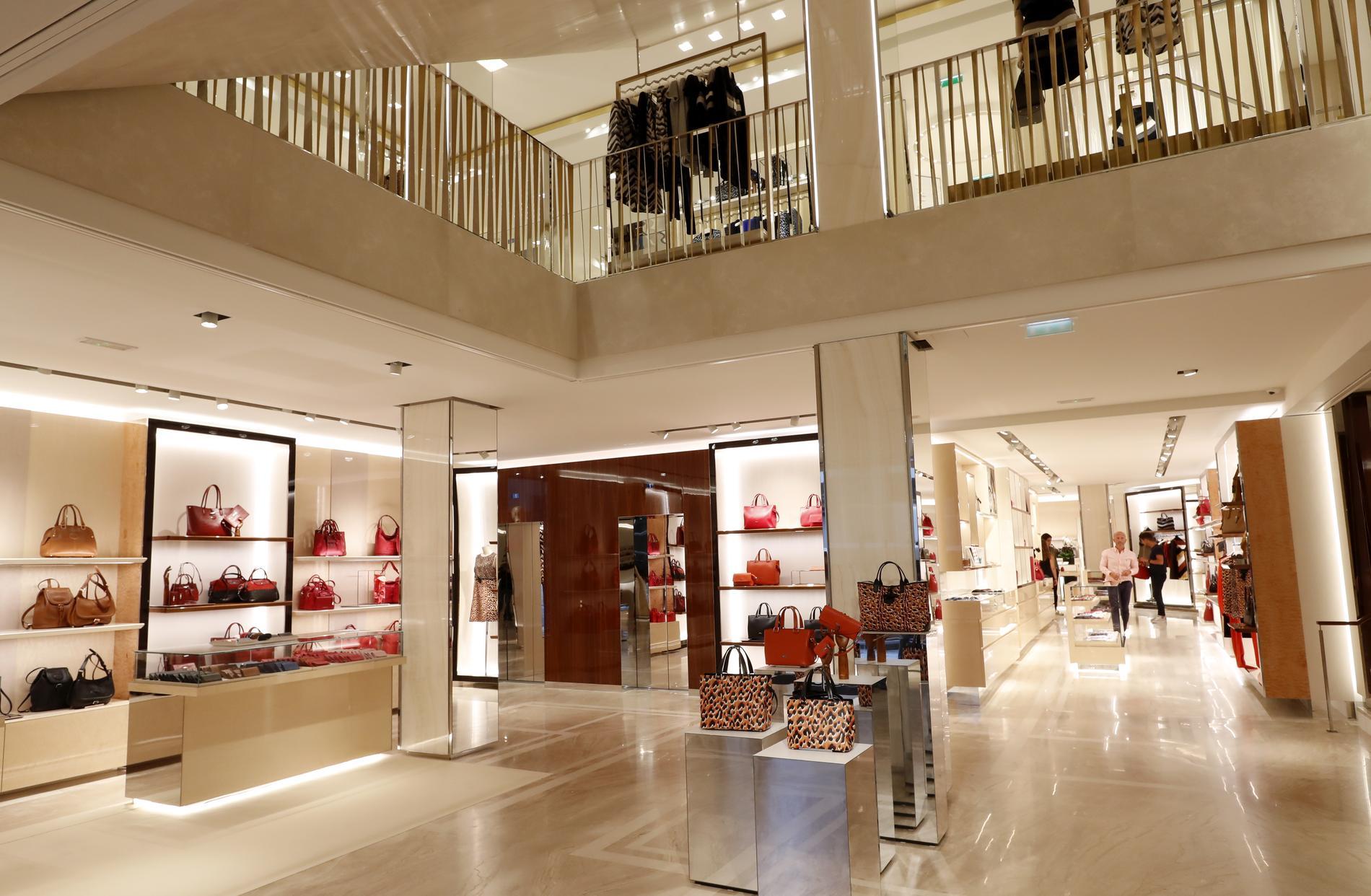bcb71c275e3640 Longchamp rouvre sa boutique rue Saint-Honoré à Paris - Madame Figaro