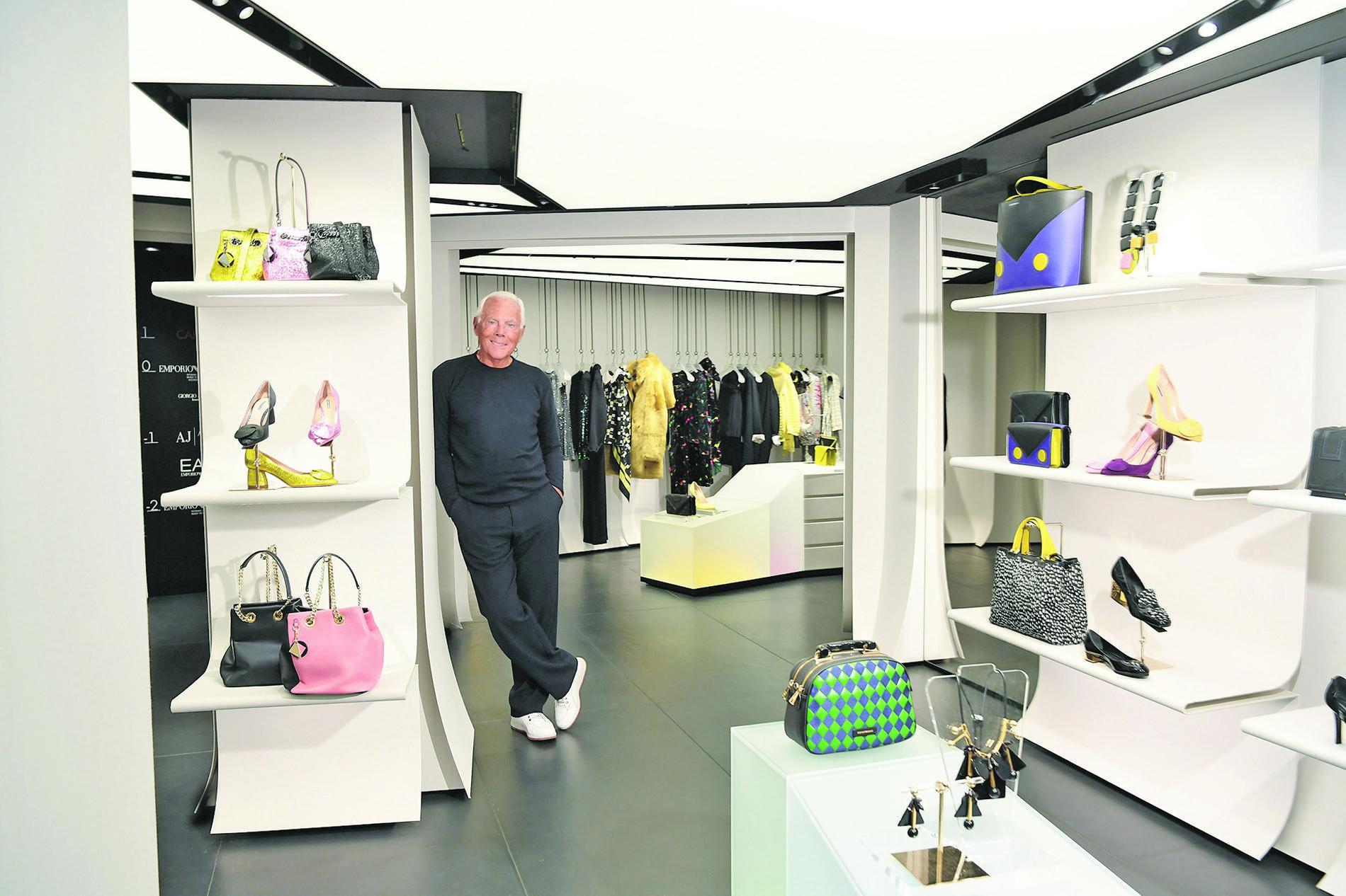 Entretien avec Giorgio Armani dans sa boutique-café tout juste rénovée du  boulevard Satin-Germain, à Paris. 6ec8c90f113