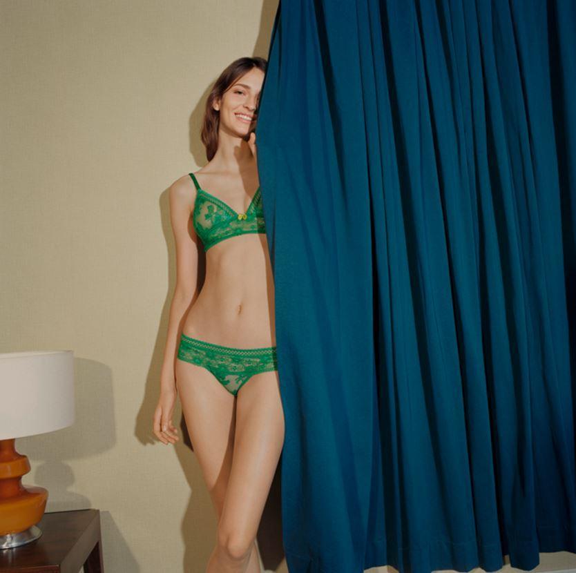 d1a74ab8e8 ... Les plus jolis ensembles de lingerie de l automne   Stella McCartney  Underwear ...