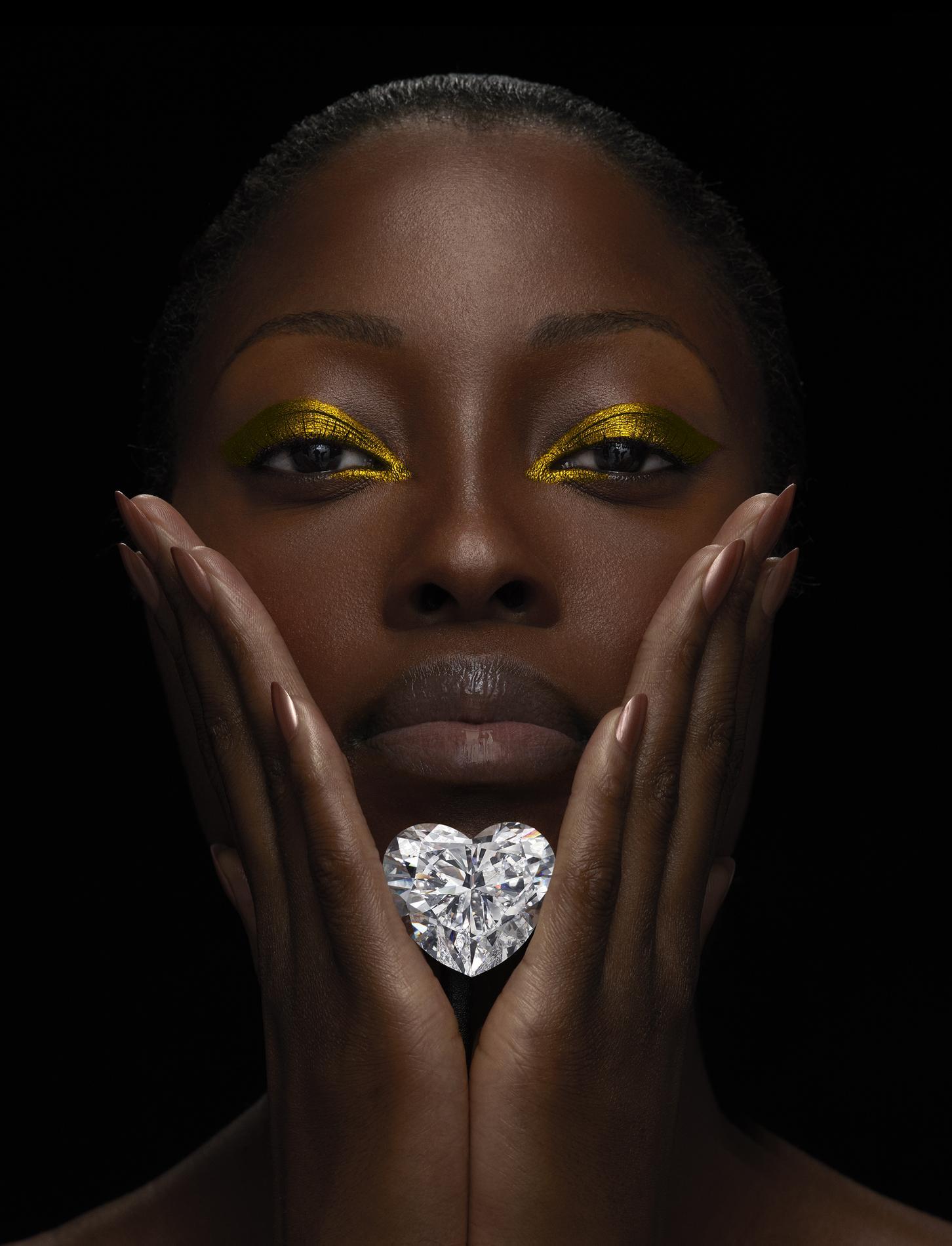 venus le plus gros diamant taille c ur au monde madame figaro. Black Bedroom Furniture Sets. Home Design Ideas