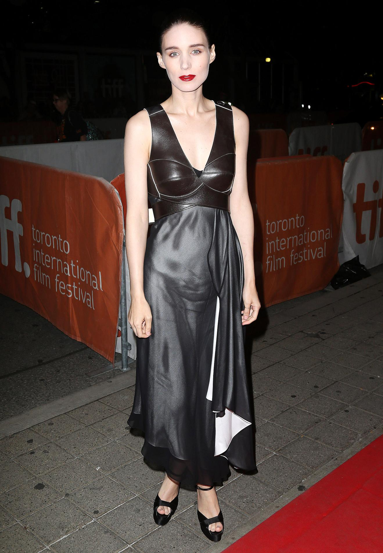 Rooney mara in the girl with the dragon tattoo 2012 - 4 9
