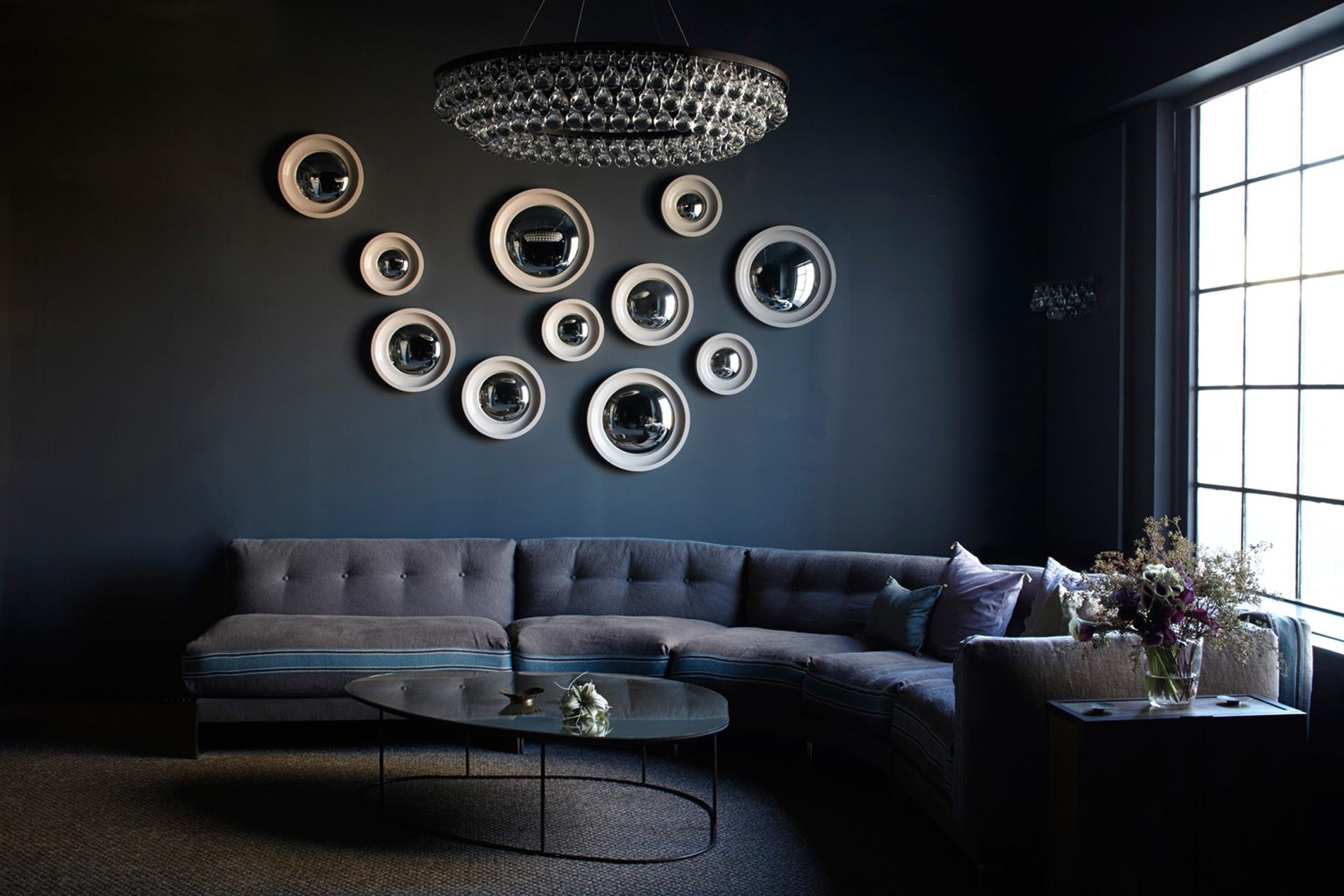 comment bien utiliser le miroir en d co madame figaro. Black Bedroom Furniture Sets. Home Design Ideas