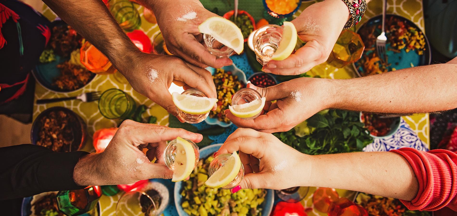 Des Idees De Soirees Thematiques Pour Le Nouvel An Cuisine