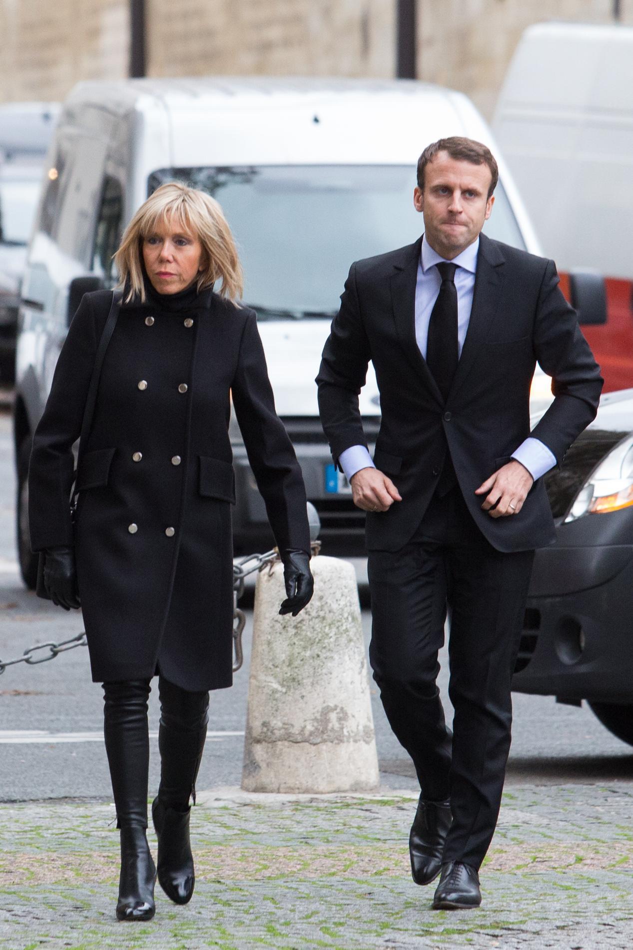 Photo AFP Le look moderne d Emmanuel Macron Le look moderne d Emmanuel  Macron Le look moderne d Emmanuel Macron Le look moderne d Emmanuel Macron  Le look ... d88cfb7df9a