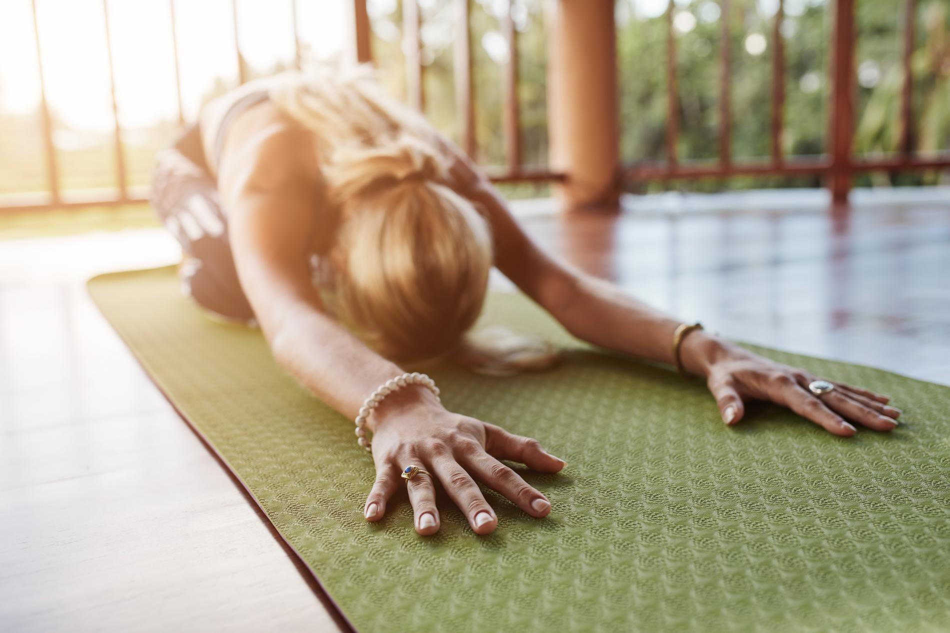 Vrai ou Faux   8 idées reçues sur le yoga - Madame Figaro 1aa5b0fa4fb