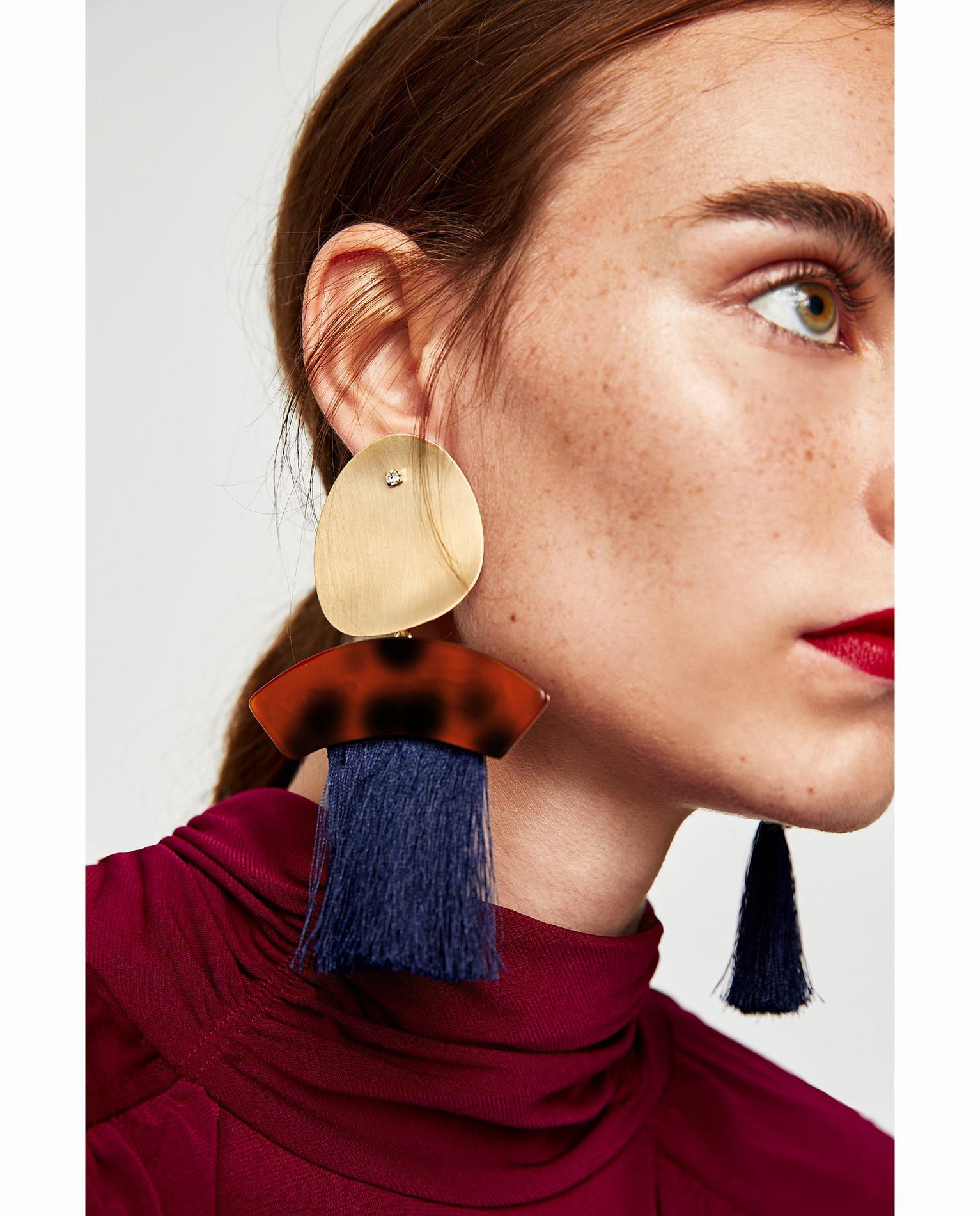 ces boucles d 39 oreille moins de 100 qui font toute la diff rence madame figaro. Black Bedroom Furniture Sets. Home Design Ideas