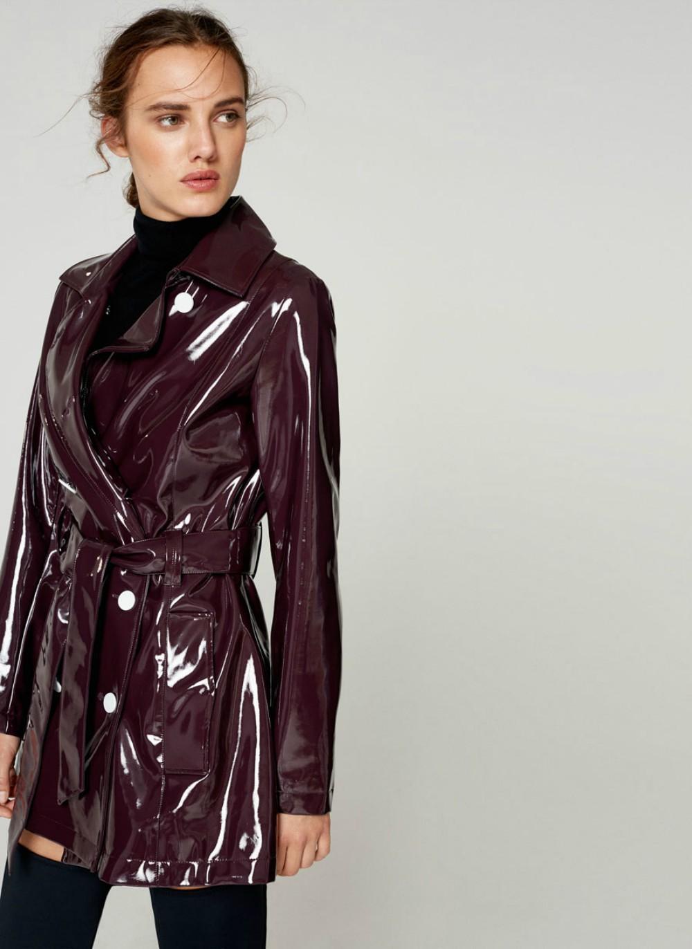 Des manteaux cirés qui vont nous faire aimer la pluie - Madame Figaro 84639db27f83