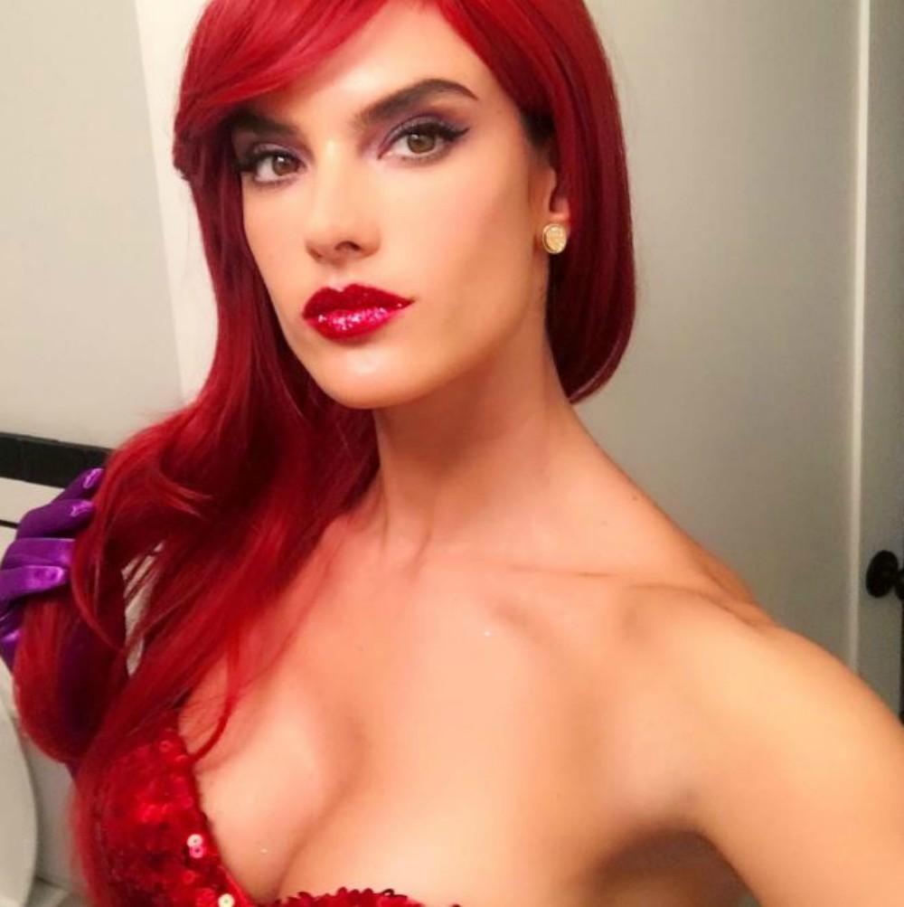 ... Halloween   20 idées de maquillage pour petits et grands inspirées des  stars - Alessandra Ambrosio ... 68b405c49a4d