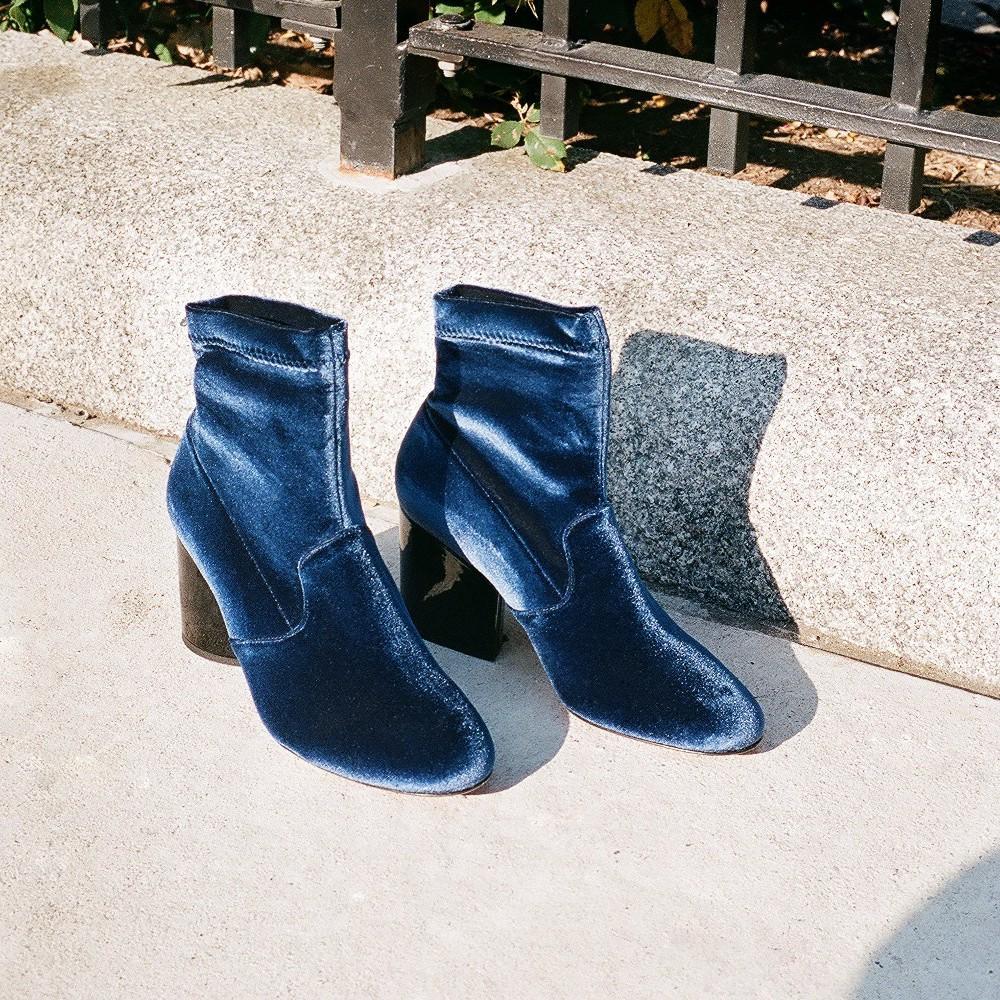 9ed8a2a74620 ... 21 paires de bottines-chaussettes qui nous donnent envie cet hiver -  Sam Edelman Les 21 paires de bottines-chaussettes qui nous donnent envie  cet hiver ...