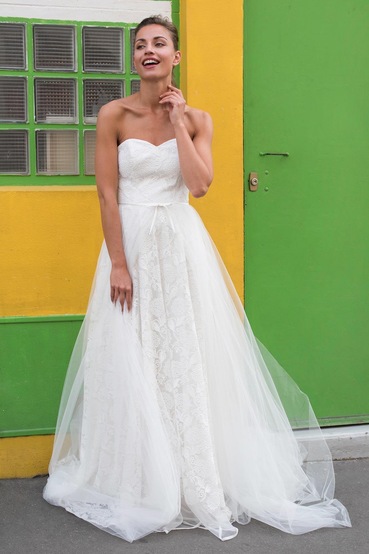 robe de mariage femme forte. Black Bedroom Furniture Sets. Home Design Ideas