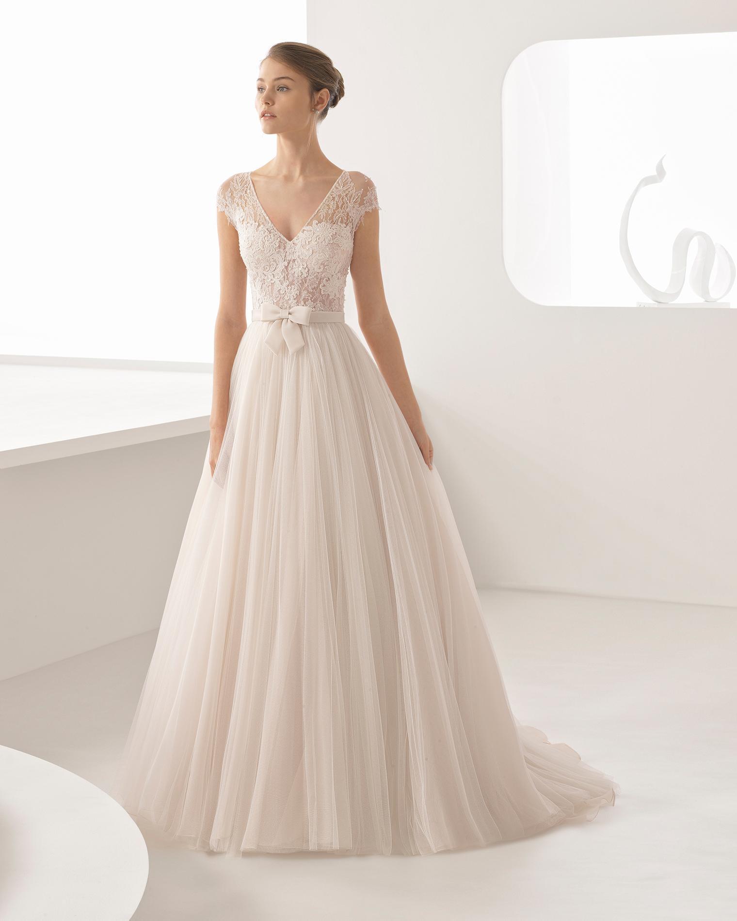 Rosa Clara Quelle robe de mariée choisir lorsque l on a une forte poitrine    - Half Penny London Quelle robe de mariée choisir lorsque l on a une forte  ... 4ecaa0adcee