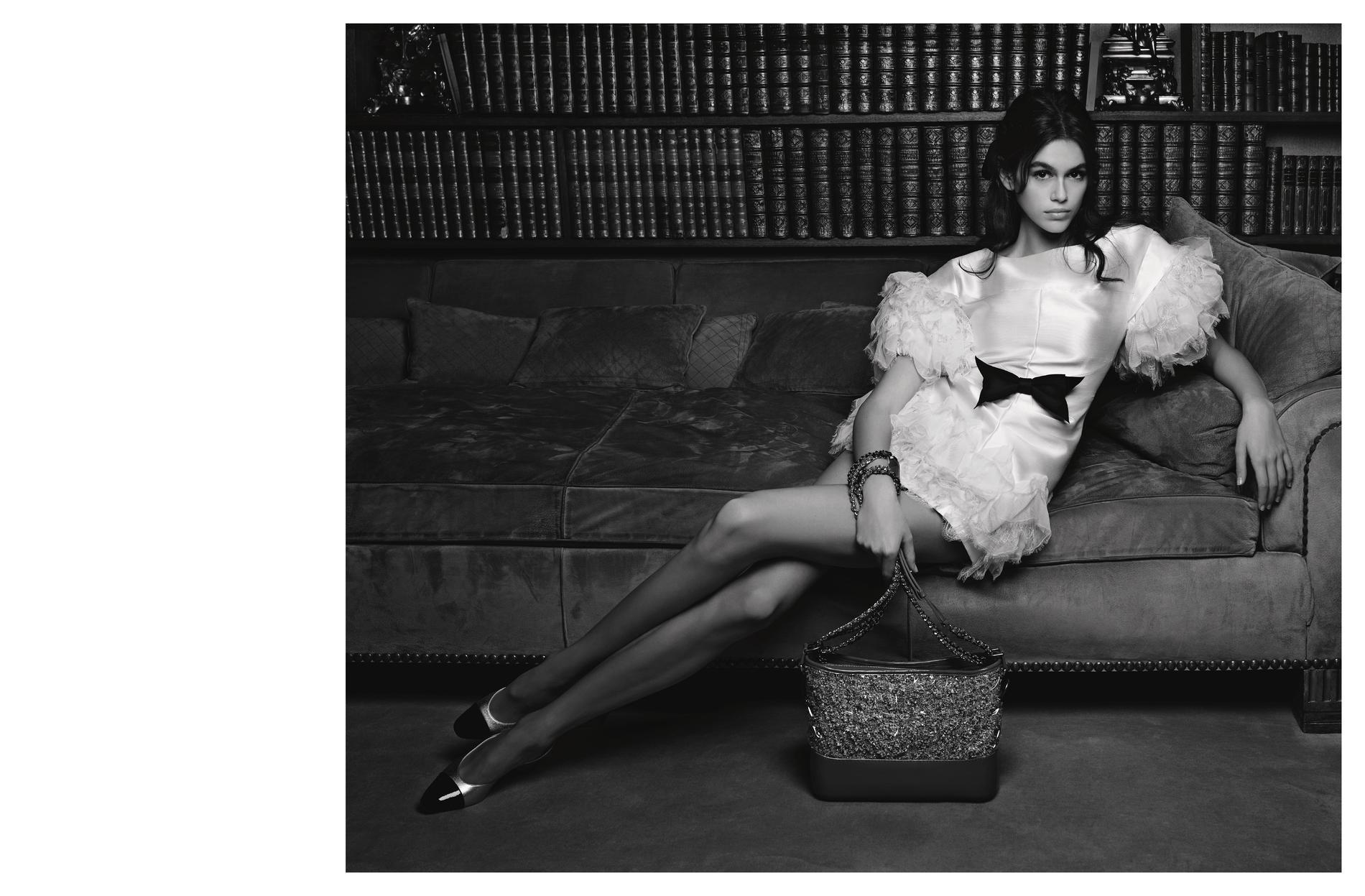 Chanel dévoile les photos de la première campagne avec Kaia Gerber ... a2c4df24830