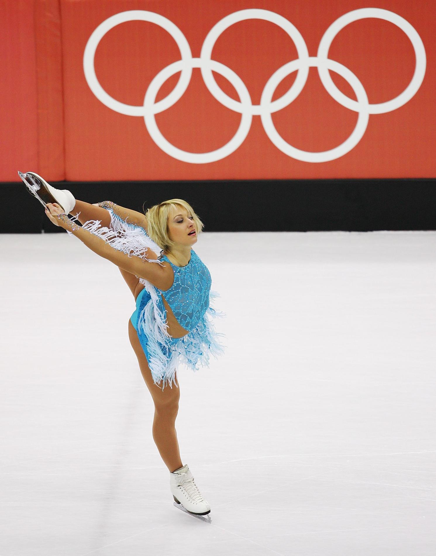 tenues de patinage artistique les plus improbables repérées aux Jeux  olympiques - Elena . fa626503f28