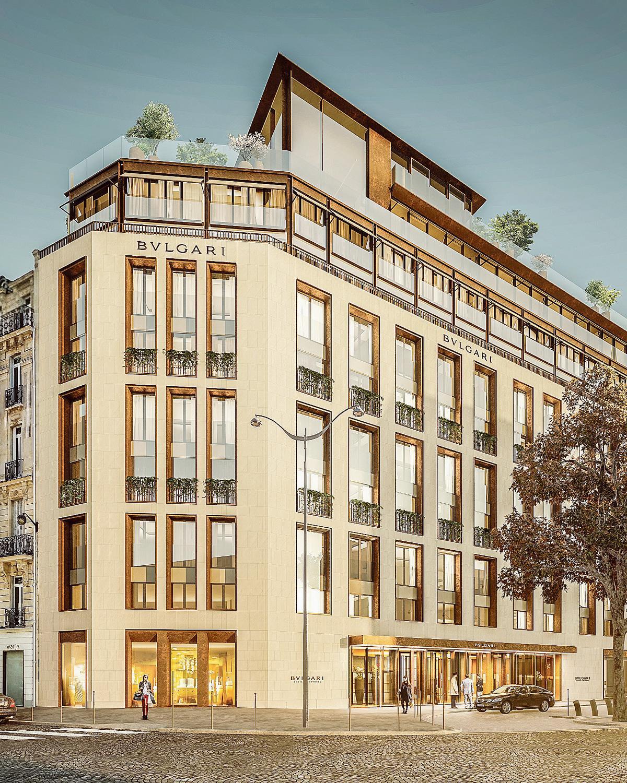 Pierre de taille et alu bronze, la façade de l hôtel Bulgari imposera sa  modernité sur l avenue George -V, à Paris. f2356c65092