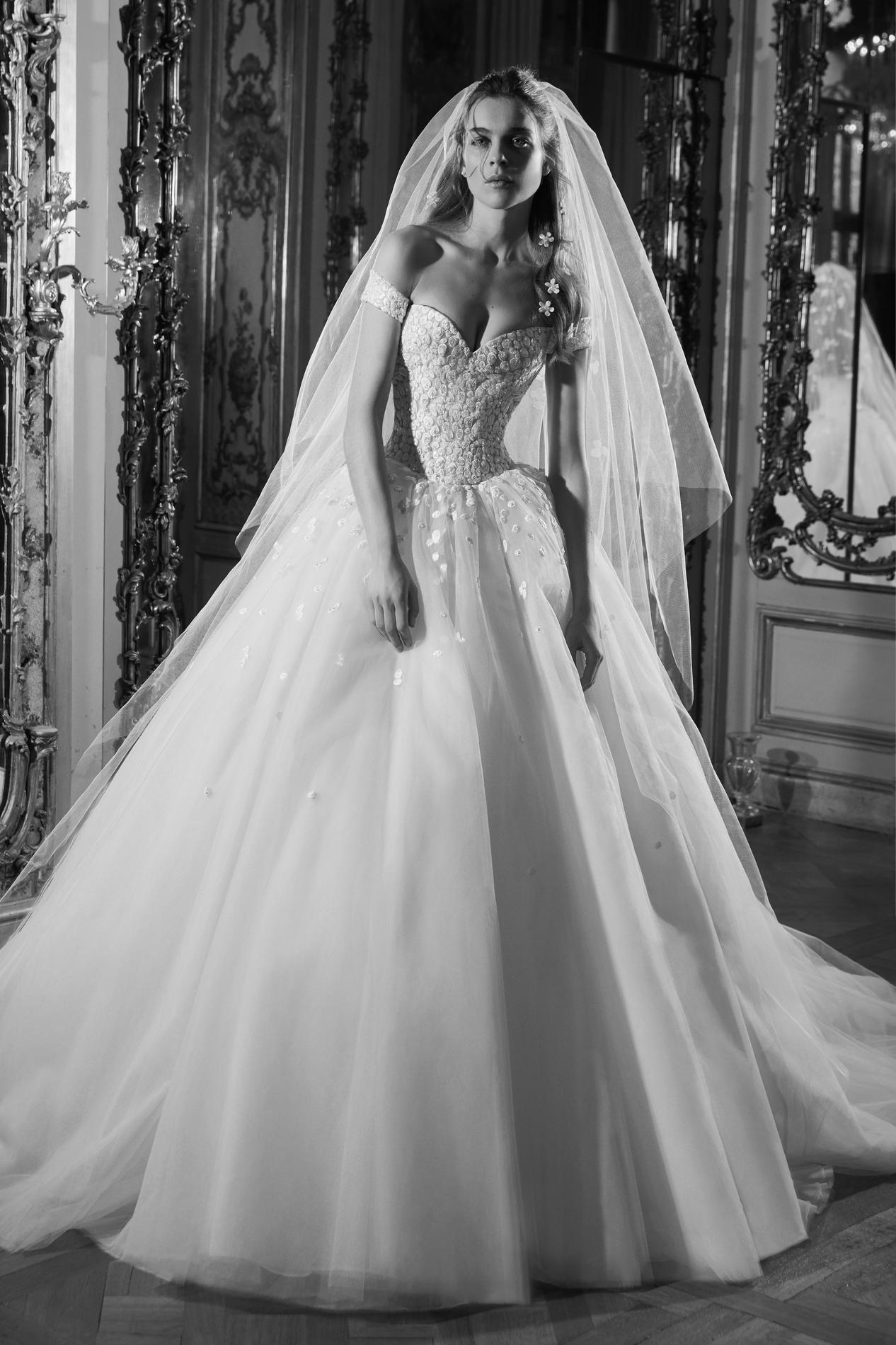 Les robes de mariée signées Elie Saab 2019 nous invitent à un bal à ... 6e49d85efa1a
