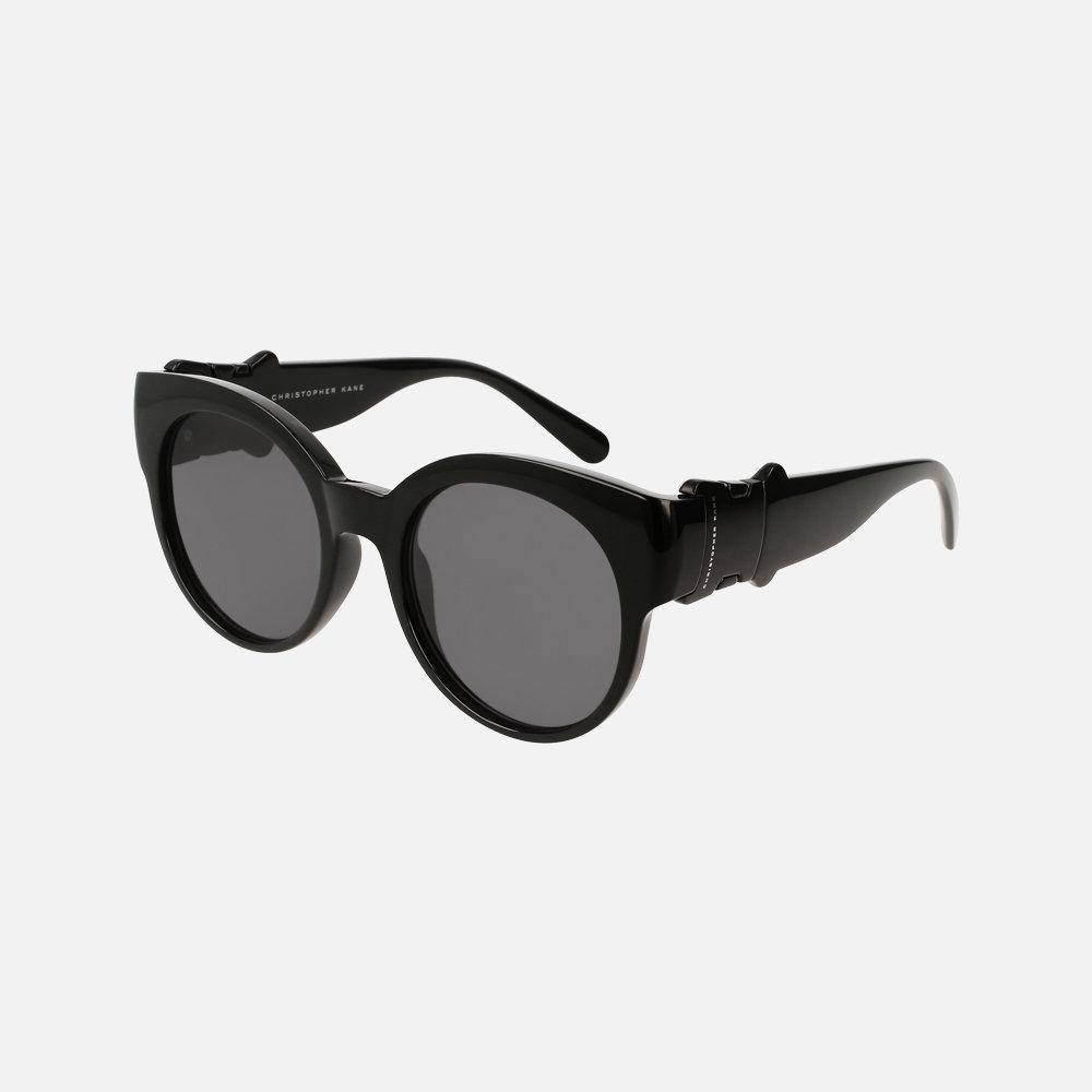 ... Dior Le cru printemps-été 2018 de lunettes de soleil - Christopher Kane  ... 6e8fc4f583dd