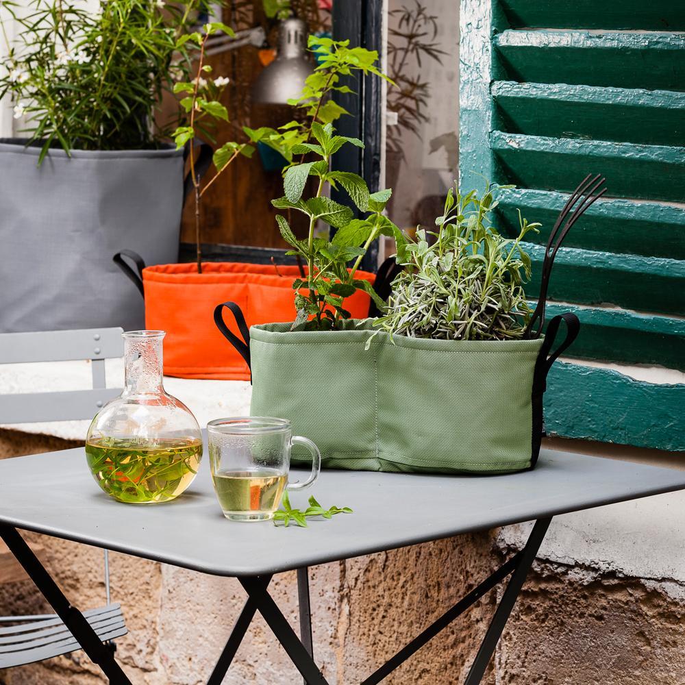 jardiniere interieur design jardiniere interieur design. Black Bedroom Furniture Sets. Home Design Ideas