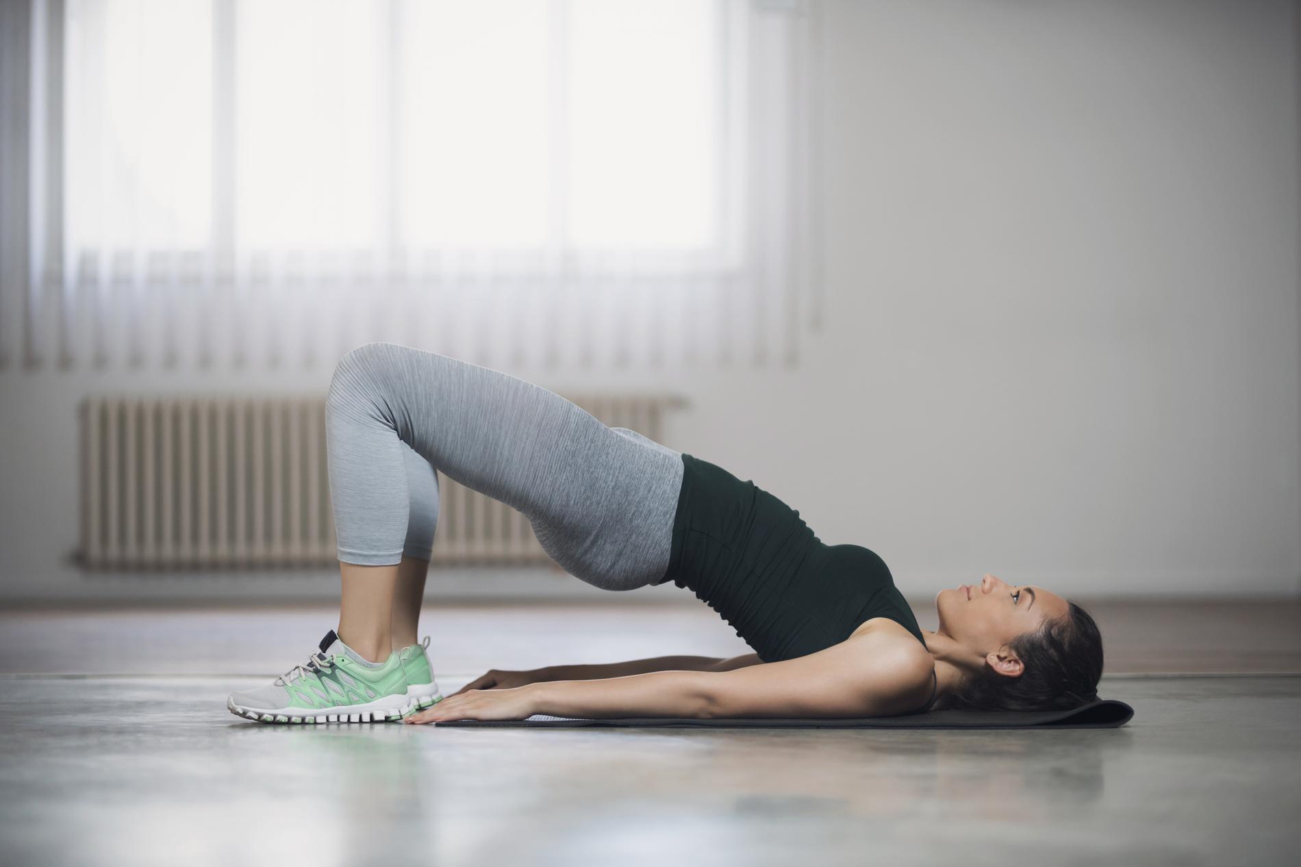 Les 15 minutes de Pilates qui gomment le petit ventre - Madame Figaro fe32b6b378c