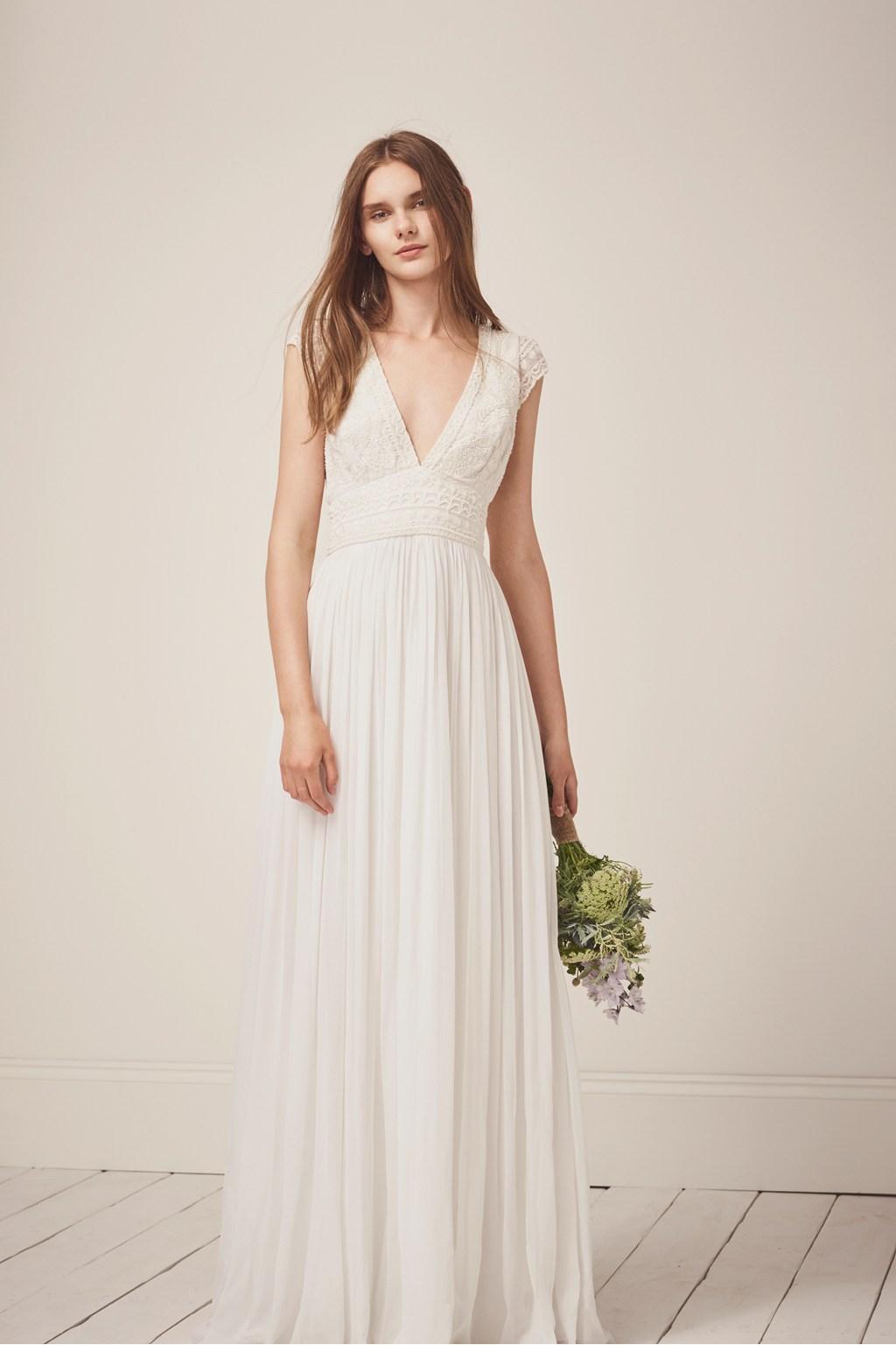 ... Des robes de mariées ultra-chic à moins de 500 euros - French  Connection ... 27d557d5890
